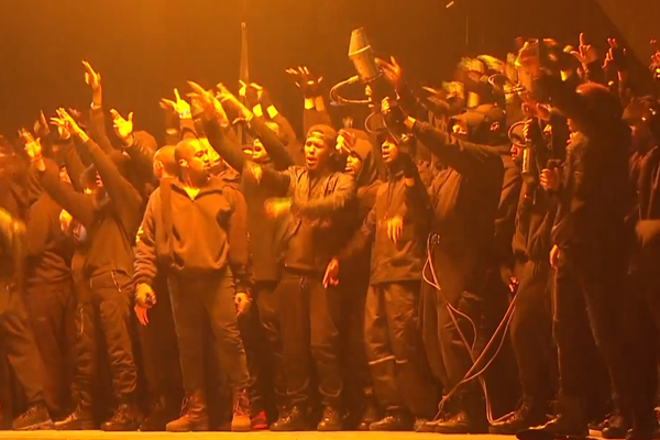 "Kanye West ""All Day"" [The Brit Awards Performance]"