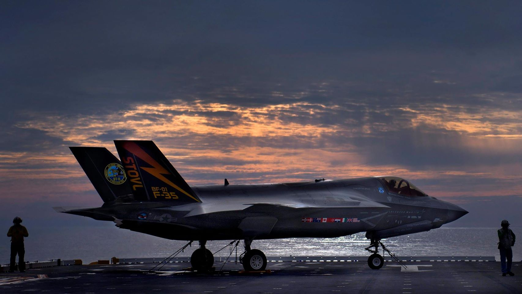 The Futuristic F-35 Lightning II Cleared for the US Marine Corps
